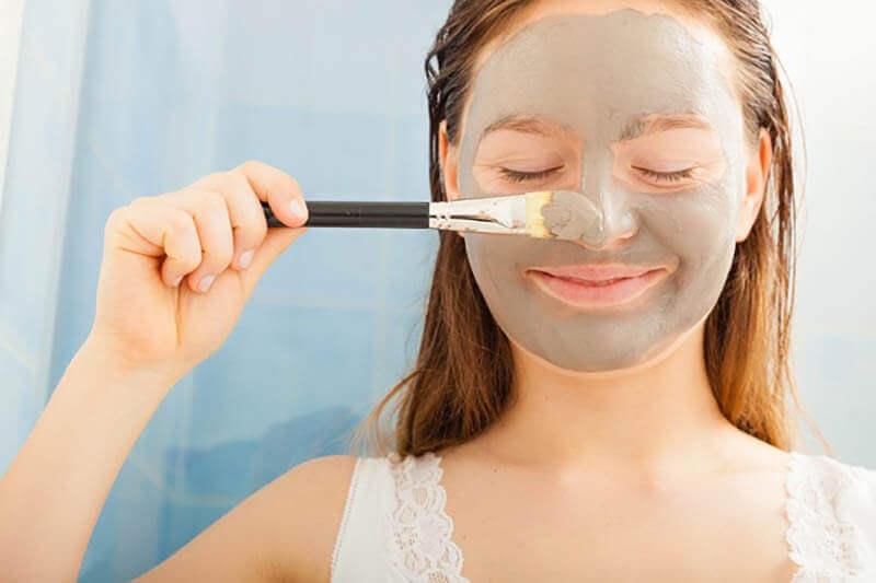 Маска для обличчя з пивних дріжджів від прищів і зморшок