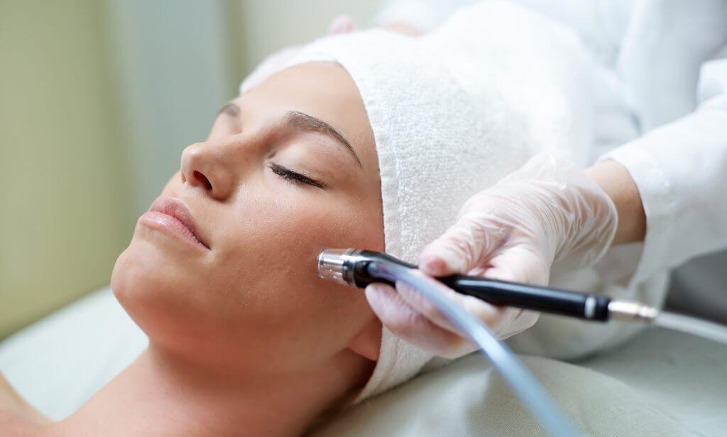 Бородавка на губе: удаление, как лечить, профилактика