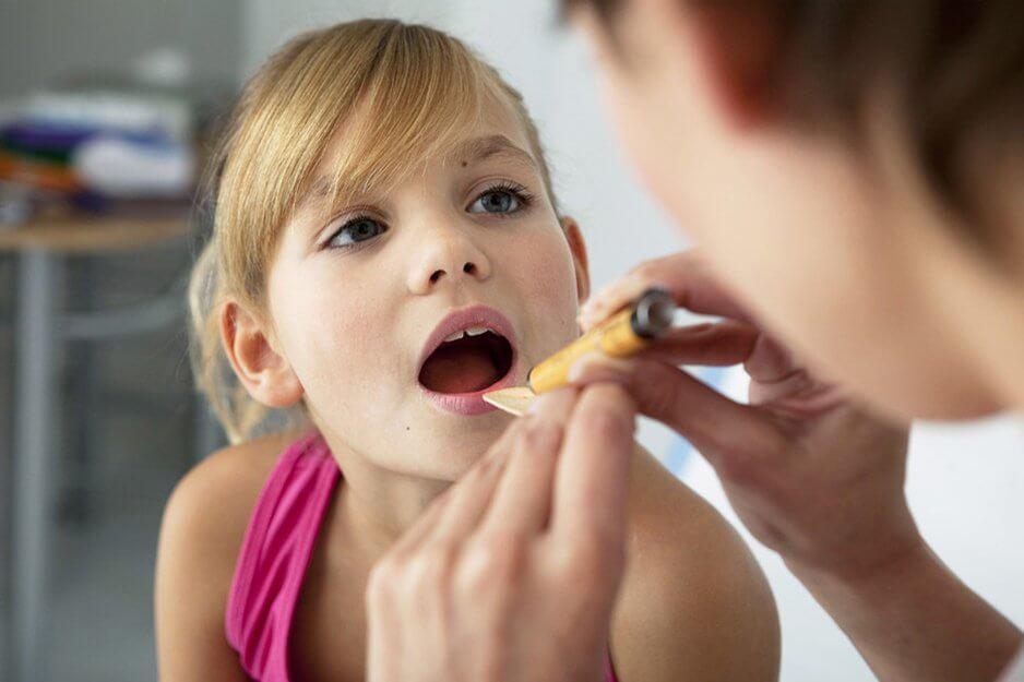 Папиллома в горле: симптомы, лечение