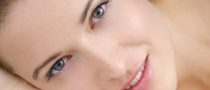 Прыщи у женщин: причины возникновения, лечение