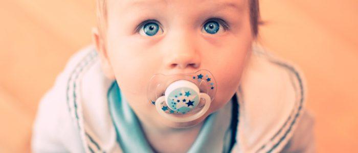 Прыщики на лице у ребенка: виды, причины, лечение