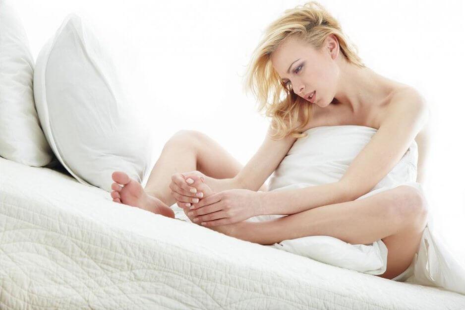 Сухая мозоль на мизинце ноги: лечение